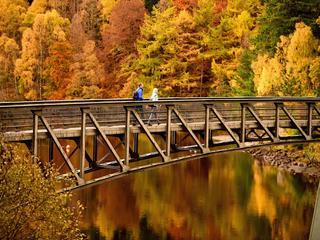 5 budget-friendly fall travel destinations