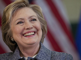 Clinton officially named Democratic nominee