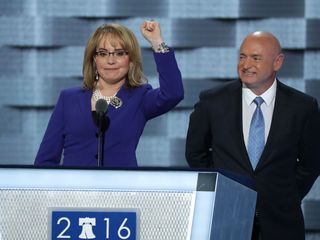 Giffords and Kelly to campaign for Clinton