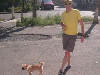 Marathon runner reunited with missing stray dog
