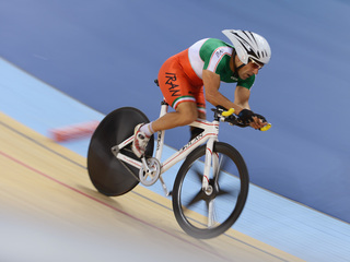 Cyclist dies after crash at Paralympics