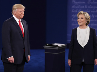 Trump, Clinton tangle in Sunday debate