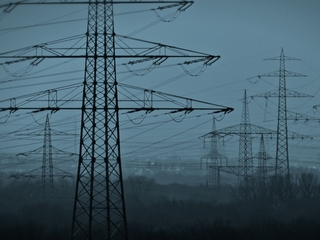 US power grid cyberattack likely, experts say