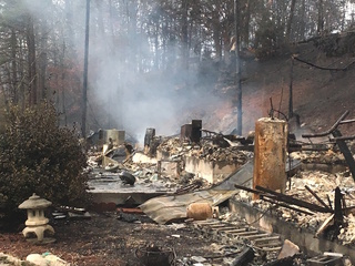 Smoky Mountains wildfire scorches Gatlinburg