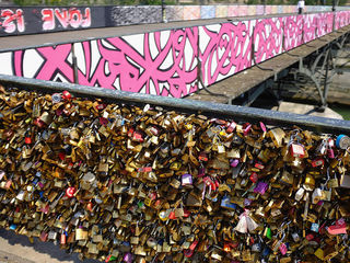 Here's what Paris is doing with the 'love locks'
