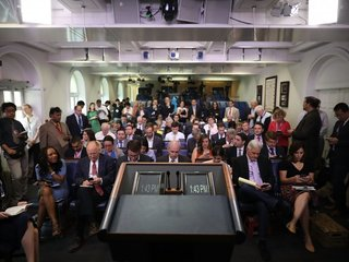 Reporter, Sanders spar at White House briefing