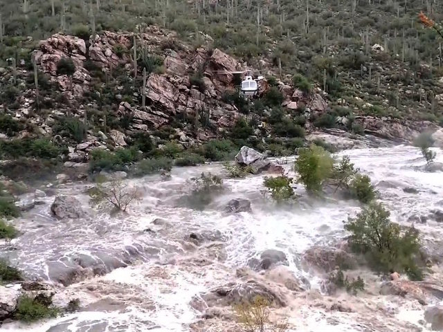 All 17 hikers trapped by flash flood in Arizona rescued