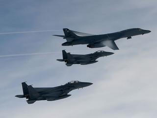 US military planes send message to North Korea