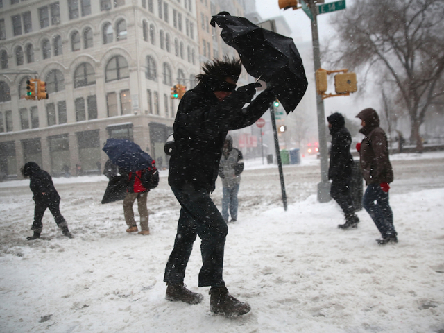 Second Nor'easter hits the East Coast, homes without power