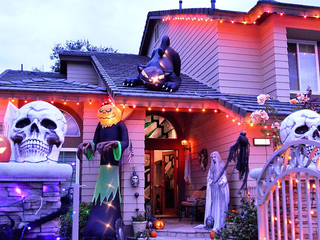 Front-porch fright: Ideas for scaring visitors