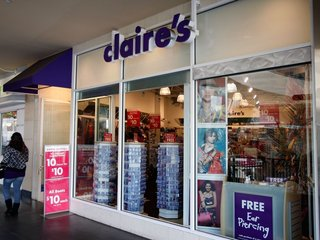Parents confused about Claire's cosmetics recall