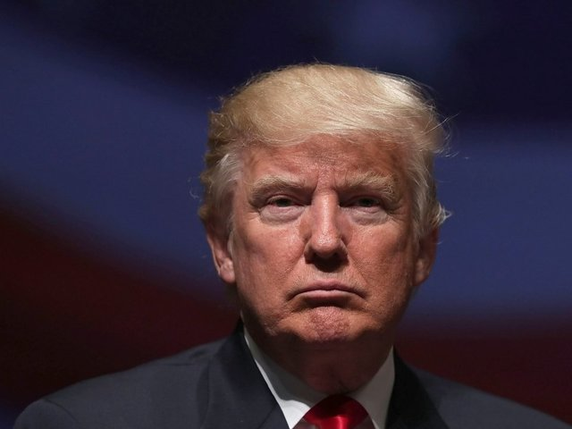 Trump declares he's deporting 200000 Salvadoran immigrants from US