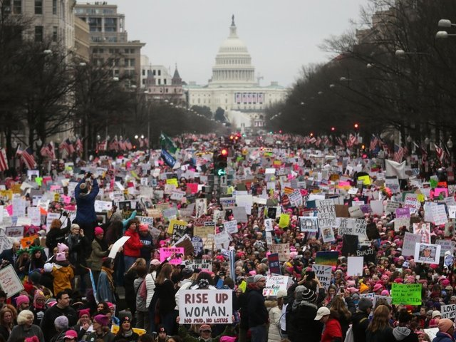 Thousands of 'Pussy Hats' Swarm US Streets in Women's March 2