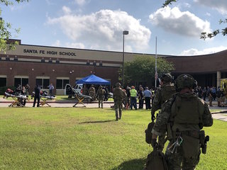At least 10 dead at Santa Fe HS in Texas
