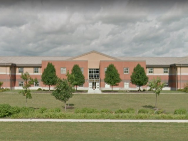 2 injured in shooting at Indiana school