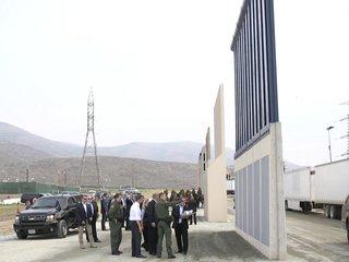 Texas company scores $145M border wall contract