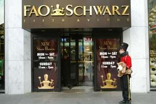 Toy store FAO Schwarz returning to New York