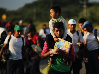 White House issues new rule on asylum seekers